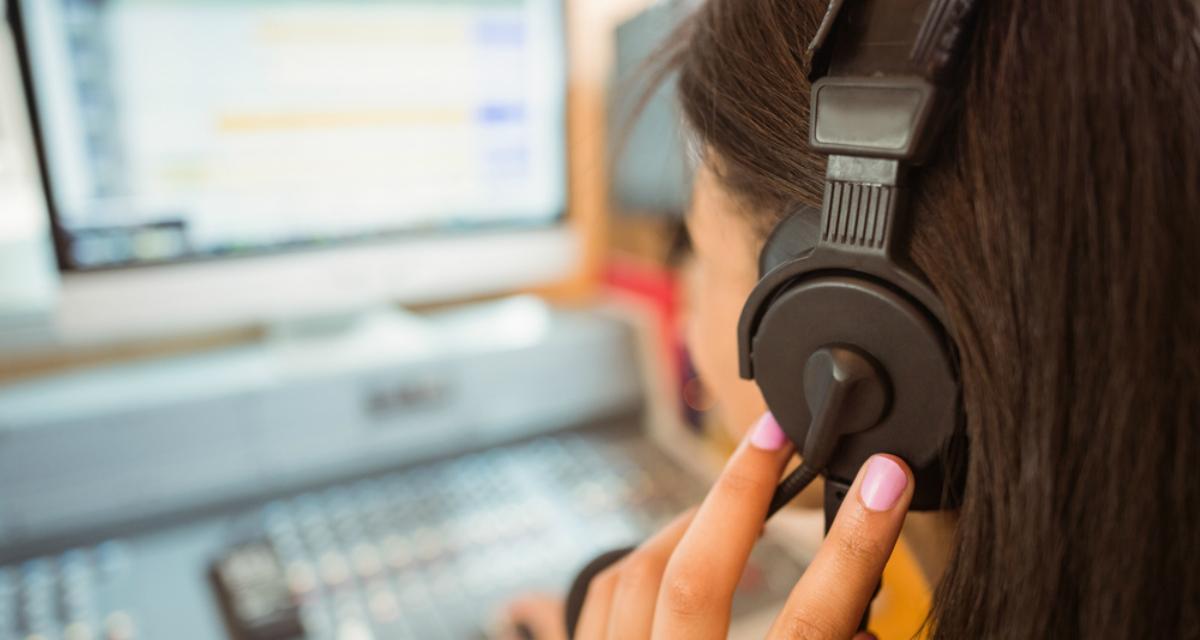 Monta una pequeña emisora de radiodifusión en el cátedra con aulaPlaneta