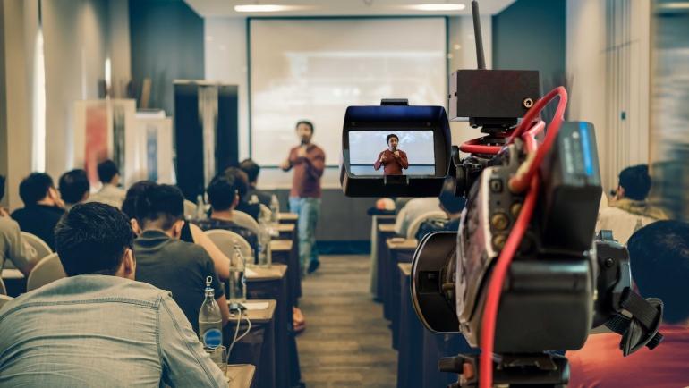 Alfabetización mediática: cómo y porqué introducirla en el clase
