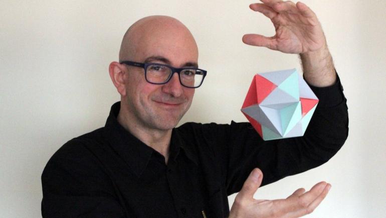 """Fernando Blasco: """"Representar las matemáticas en todas sus expresiones las hace más interesantes y accesibles"""""""