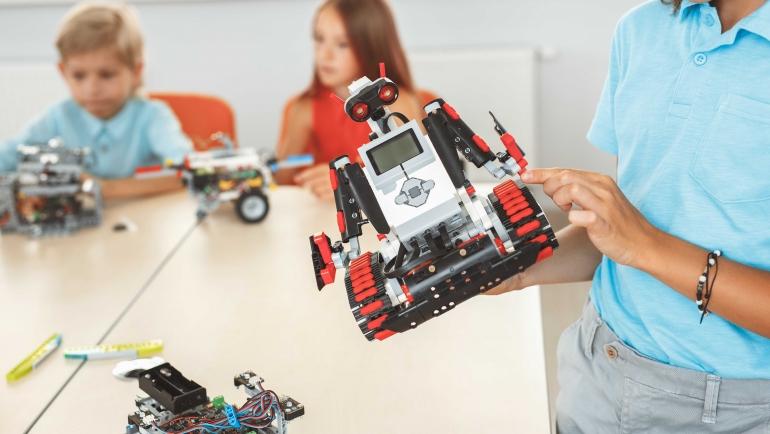 Cómo y por qué introducir la robótica educativa en el cátedra