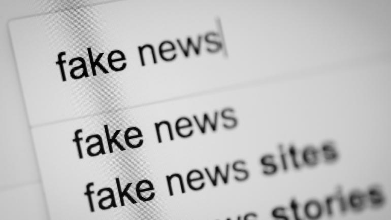 Defiéndete de la desinformación en ruta con el fact-checking
