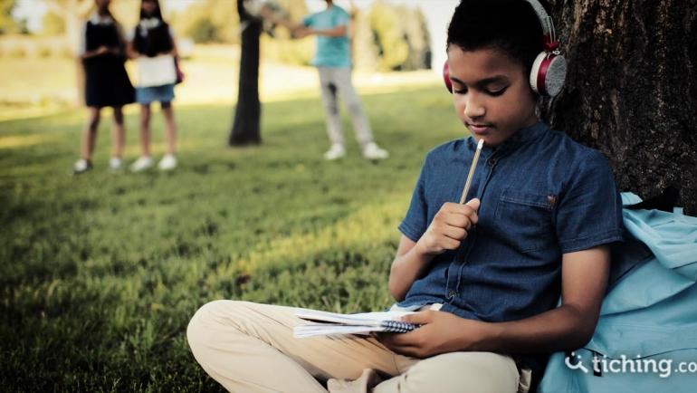 Cuatro formas de implementar audiolibros para la enseñanza de historia