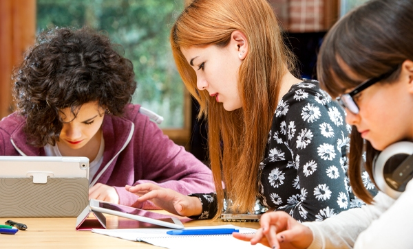 Comentario en 25 herramientas TIC para aplicar el aprendizaje colaborativo en el aula y fuera de ella [Infografía] por Andrea Lugo